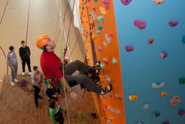 Ekstremno dobro penjanje na veštačkoj steni