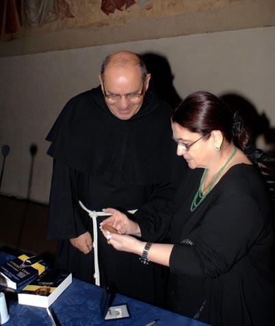 Medalja Crkve Svetog krsta našoj književnici