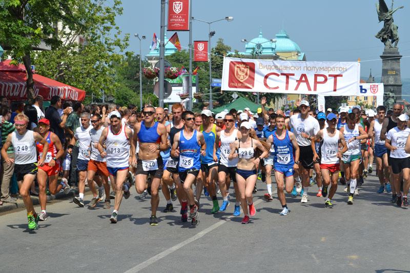 Vidovdanski polumaraton u Kruševcu: Pobednici Saša Stolić i Nevena Rajković