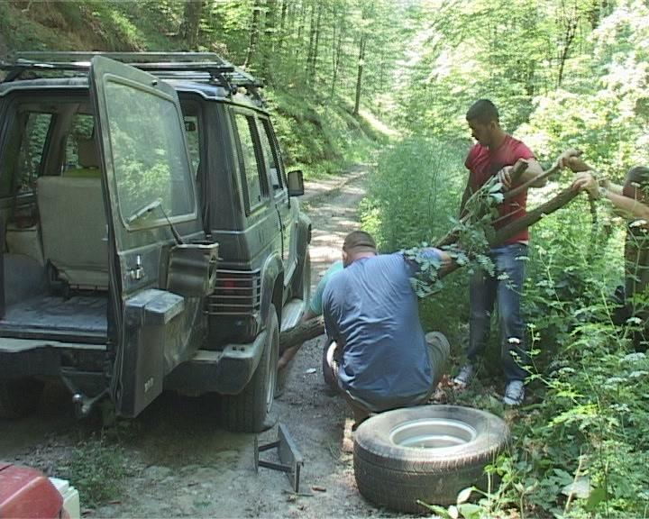 Putevima Jastrepca na motorima i džipovima