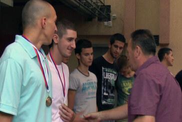 KK Napredak: Pet juniorskih šampiona na klupi kod Đokića (VIDEO)
