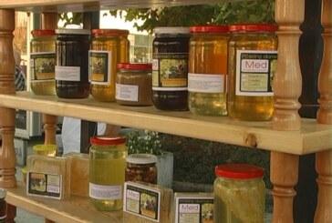 """Pred izložbu """"Meda i pčelinjih proizvoda"""": godina nepovoljna za pčelare (VIDEO)"""