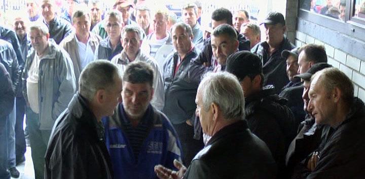 Većina radnika Kruševacputa u štrajku (VIDEO)
