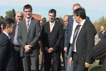 Peruničić i Tanasković obišli renovirane sportske objekte (VIDEO)