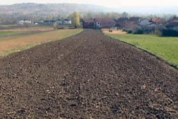 Pravo vreme za osnovnu obradu zemljišta (VIDEO)