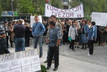 """Radnici """"Zvezde"""" i Fabrike ulja protestovali ispred Gradske uprave (VIDEO)"""