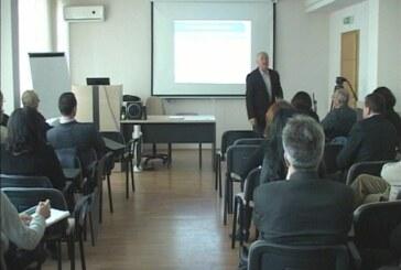 Sastanak predstavnika Školske uprave i direktora srednjih škola (VIDEO)