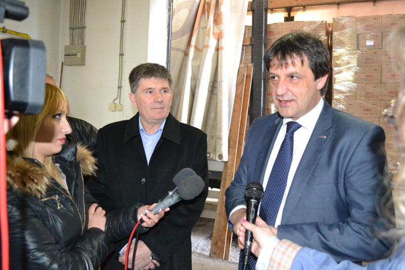 Maloprodajni lanac Idea donirao kafu Crvenom krstu Kruševac (VIDEO)