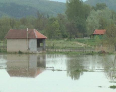 Stanje na poplavljenom području u Đunisu i vodotokovima u kruševačkom kraju