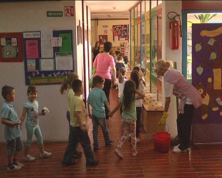 """Prikupljanja humanitarne pomoći u """"Nati Veljković"""""""