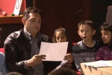Ministar Vulin posetio decu koja borave na Kopaoniku