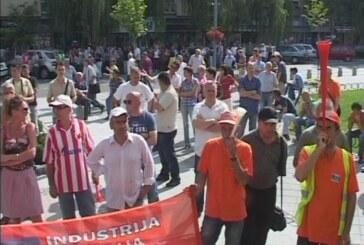 "Radnici ""14. oktobra"" traže od države hitno rešenje za težak materijalni položaj"