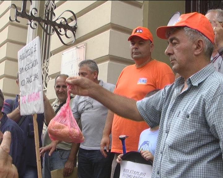 Radnici 14. oktobra nastavili protest (VIDEO)
