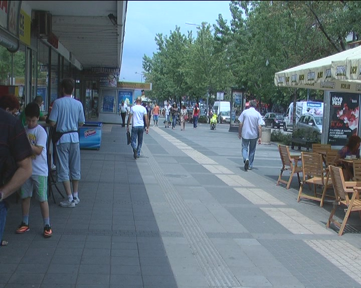 Anketa: U Kruševcu kreditno zaduženi redovno isplaćuju rate banci (VIDEO)