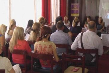 """Prezentacija rezultata projekta """"Pomoć ženama u nasilju"""" (VIDEO)"""