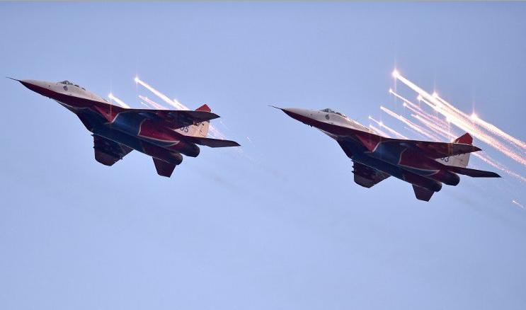 Ruski i srpski piloti, učesnici Vojne parade, danas u Kruševcu