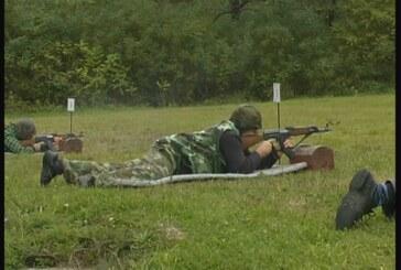 Rezervne vojne starešine u vežbi bojevog gađanja (VIDEO)