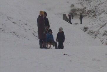 Zimske radosti: Sankanje na Slobodištu