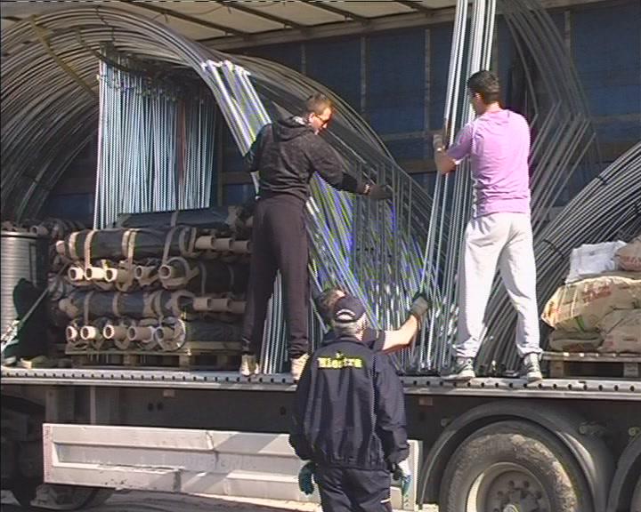 Nemačka organizacija Help uručila porodicama iz Obrež plastenike