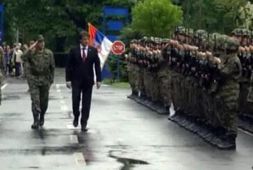"""Otvoreni dan"": Ministar odbrane Gašić obišao kasarnu ""Car Lazar"" i poligon na Ravnjaku"