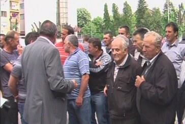 Meštani varvarinskih sela pogodjenih nevremenom sastali se sa predsednikom Opštine
