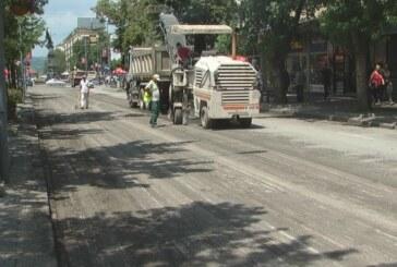 Radovi na revitalizaciji  kolovoza u centralnoj kruševačkoj ulici