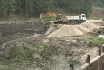 Radovi na čišćenju i uređenju jezera na Jastrepcu planiranom dinamikom