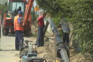 U selu Modrica u toku radovi na postavljanju vodovodnih cevi