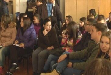 Dan otvorenih vrata: Srednjoškolci u Fabrici vode u Majdevu
