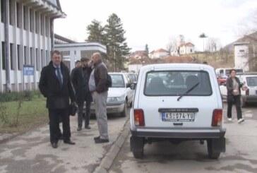 Predstavnici lokalne samouprave Opštine Brus donirali novo terensko vozilo Domu zdravlja