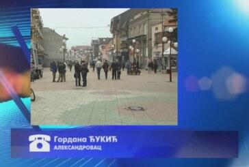 Na području opštine Aleksandrovac otežan saobraćaj na pojedinim deonicama zbog ugaženog snega (FONO)