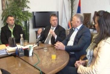 Ministar Velimir Ilić u radnoj poseti  opštini Brus