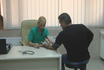 """Akcija besplatnog merenja šećera i krvnog pritiska Doma zdravlja """"Sloga medik"""""""