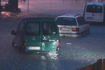 Jako nevreme pogodilo Kruševac i okolinu (VIDEO)