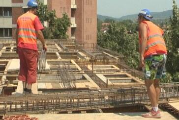 Visoke temperature otežavaju rad, posebno građevinskim radnicima