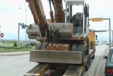 Počeli radovi na regulisanju kružnog toka saobraćaja kod raskrsnice Blagoja Parovića