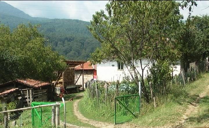 """""""Bogomolja u Rlici, selu koje odumire"""" (kompletna reportaža)"""