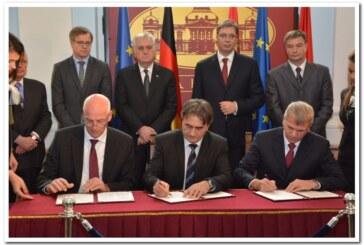"""U Kruševcu potpisan sporazum sa """"Kromberg i Šubertom"""", prisustvovali predsednik Nikolić i premijer Vučić"""