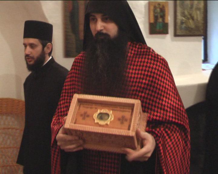 U crkvi u Vrbnici svečani doček delića moštiju Svetog Đorđa i Svetog Pantelejmona