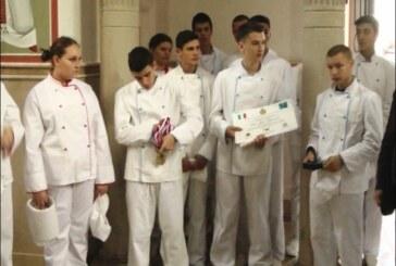 Vladika David primio učenike kuvarskog smera Hemijsko-tehnološke škole