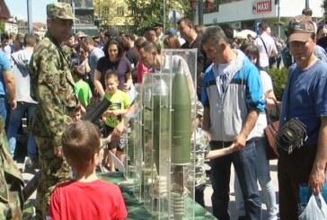 Naoružanje i oprema Vojske Srbije privukli pažnju Kruševljana