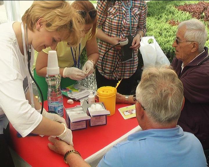 Dom zdravlja Kruševac štandovima na Trgu mladih obeležio Svetski dan zdravlja