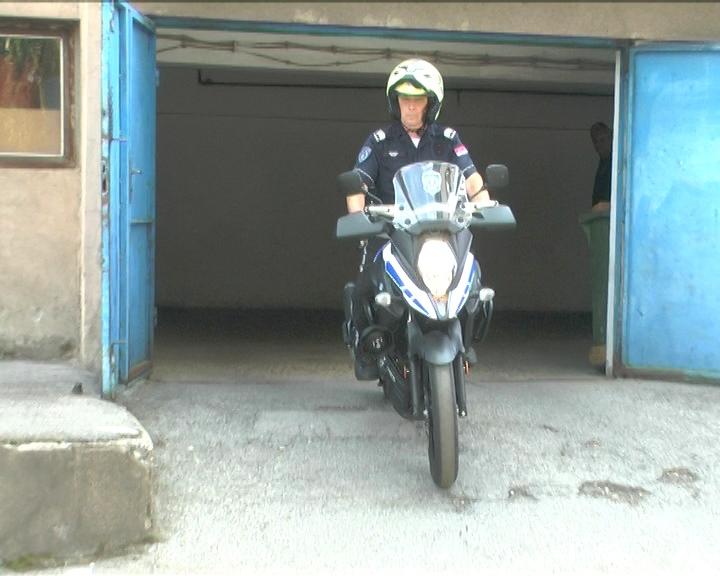 REPORTAŽA TV KRUŠEVAC: Policajac na motoru