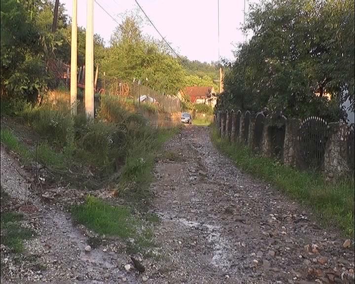 Vitanovac – velika količina padavina ugrozila put u zaseoku Vujak