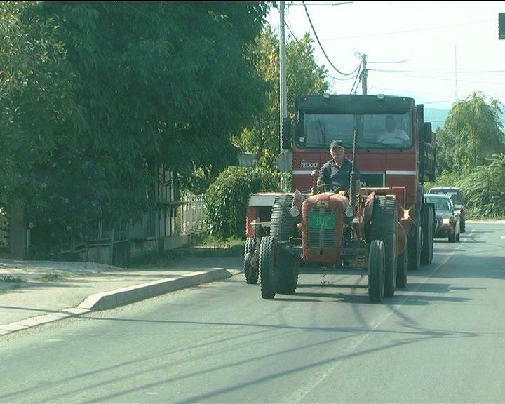 Tokom leta povećan broj saobraćajnih nezgoda traktorista, neretko sa tragičnim ishodom