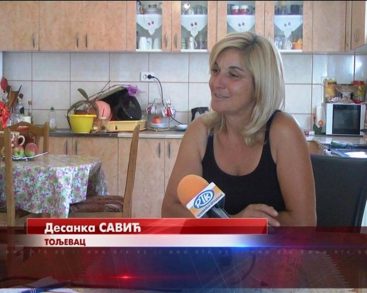 Samohrana majka troje dece iz Toljevca uspešno se bavi proizvodnjom kupina i jagoda.