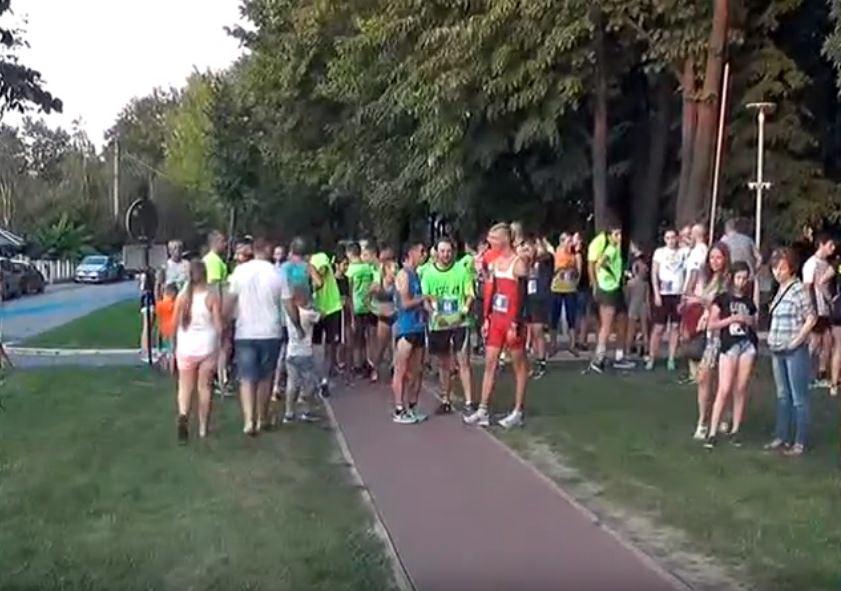 Treći kruševački noćni polumaraton: Pobednici Maja Milosavljević, Nenad Živković i Biljana Kostić