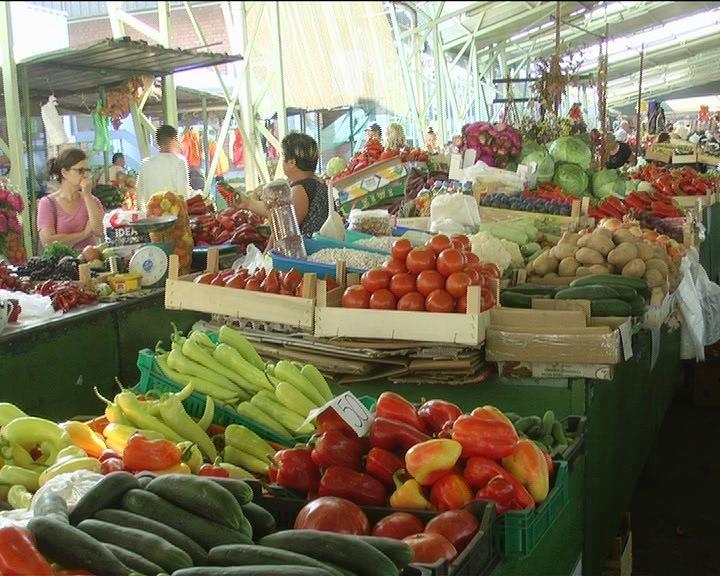 Sezona spremanja zimnice počela, najviše se prodaju paprika i paradajz