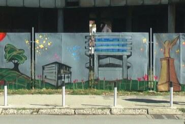 Na trgu Kosturnica mural sa kruševačkim motivima