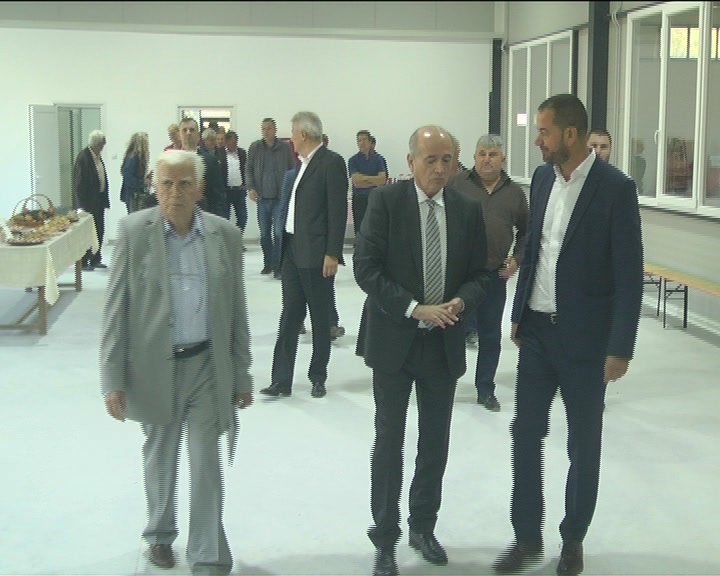 "Ministar bez portfelja Milan Krkobabić posetio zemljoradničku zadrugu ""Euro duo kalem"""